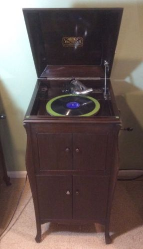 Antique Victor Victrola Original 78 Record Player 20 Plus Records VV-80 Mahogany