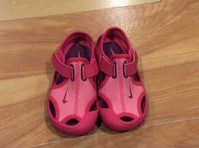 Toddler Girls Nike Sandals US size 7 pink shoes