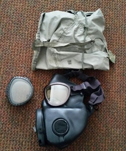 Vintage surplus Vietnam era US M17 gas mask Protective field gas mask