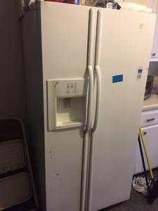 Maytag Refrigerator Side x Side (West Memphis)