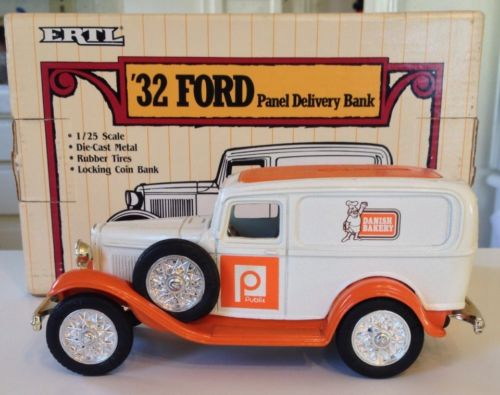 Ertl 1932 Ford Panel Truck Bank /Publix / Danish Bakery / 1:25 Scale