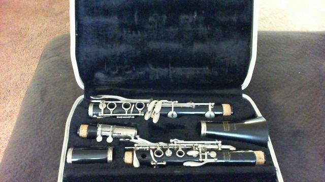 Bundy Clarinet With Case (Used)