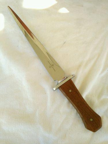 Very nice vintage Carvel Hall Commemorative Arkansas Toothpick Dagger Knife