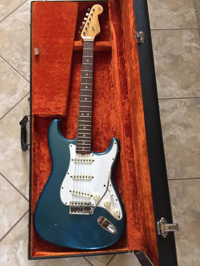 1965 Fender Stratocaster - Rare Lake Placid Blue w/ Original Hard Shell Case