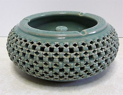 VINTAGE GORYEO KOREAN CELADON CRACKLE RETICULATED BASKET WEAVE PIPE ASHTRAY