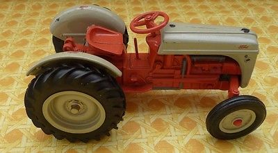 ERTL Ford 8N 1/16th Scale Tractor