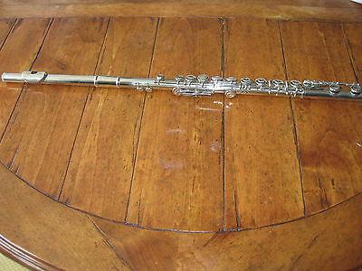 bundy flute  w/ hard case # 587444