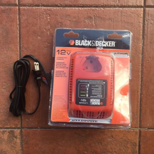 Black /& Decker LCS12FC 12-Volt Lithium-Ion Fast Charger