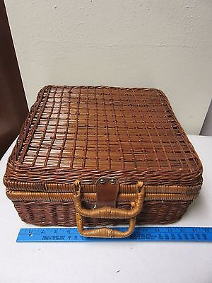 Wicker Basket Picnic Basket With Cups, Plates, Utensils For 2