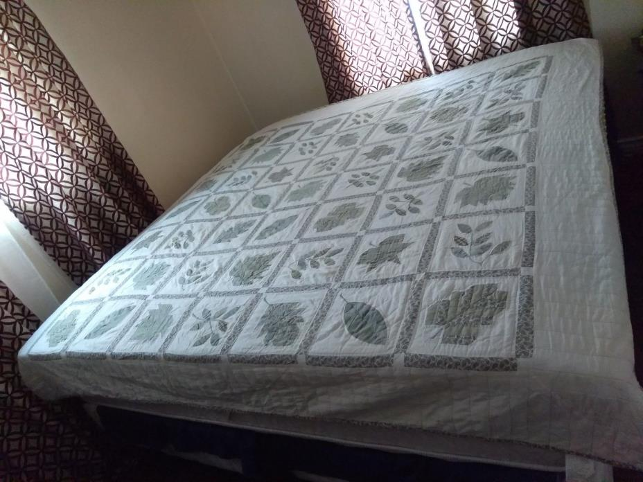Vintage Machine Made Cotton Leaf Accent Quilt Size 76 x 85 Inches