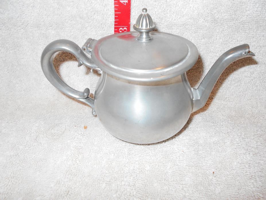 Antique/Vintage Metal Dishes:Sml Pewter Teapot With Hinged Lid New Amsterdam