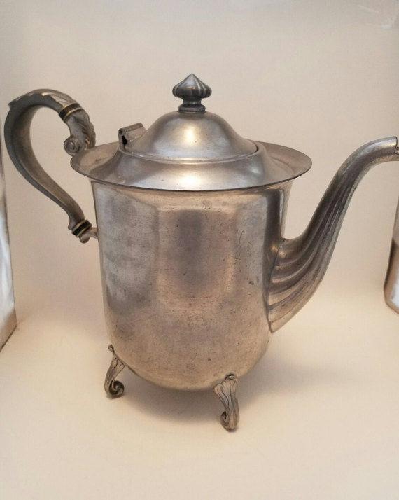 PEWTER TEAPOT MULHOLLAND PEWTER 1902 Teapot Vintage