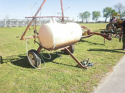 Good 20 ft pull 200 gallon type spray rig with pump