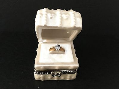 Vintage Faux Diamond Engagement Ring Holder Trinket Box Wedding Favor Hinged