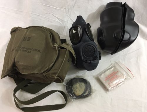 Vintage US ARMY M17 GAS MASK w/ Canvas Bag & Accessories- Great Vtg Cond.  !!