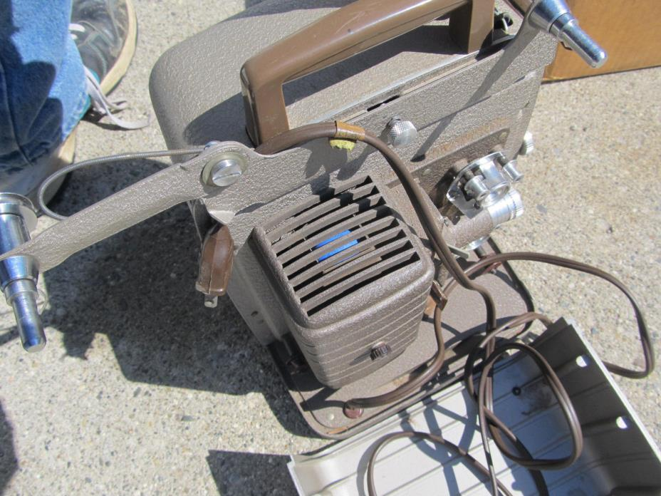 Vintage Bell & Howell Monterey 8mm Silent Reel to Reel home movie film Projector