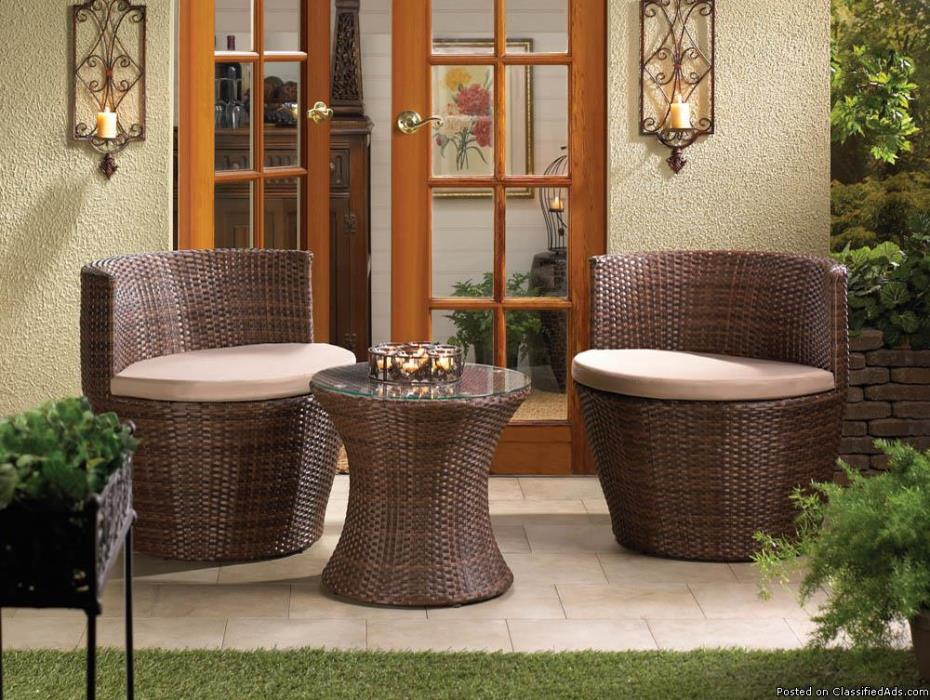 Faux Ratton Patio Set