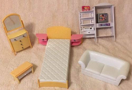 Barbie Dollhouse Furniture Toy lot