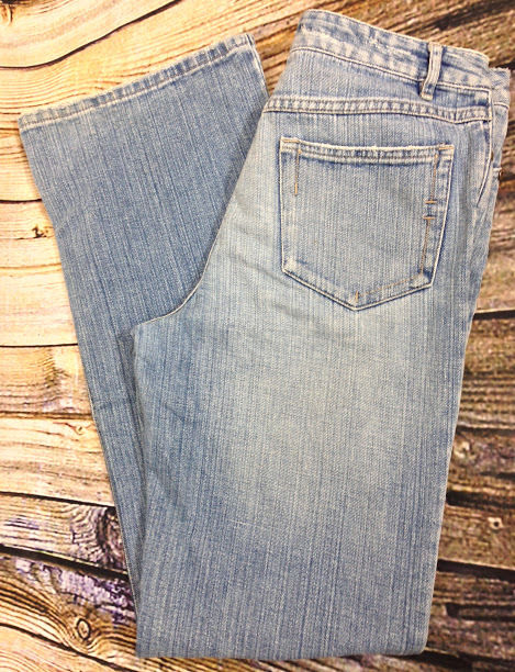 J JILL Light Distressed Wash Jeans Sz 8 Relaxed Fit 100% Cotton Mid Rise 32 x 31