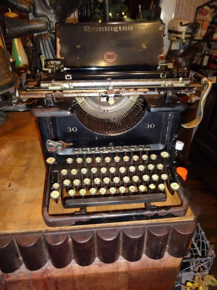 Vintage Remington 30 Typewriter