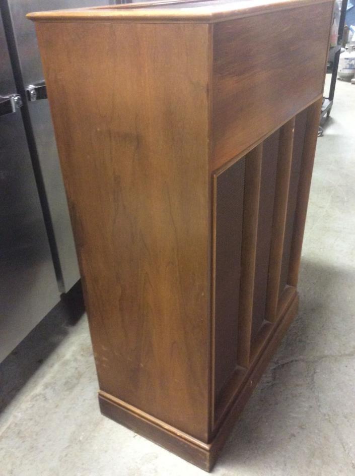 Hammond organ tone cabinet HR-40