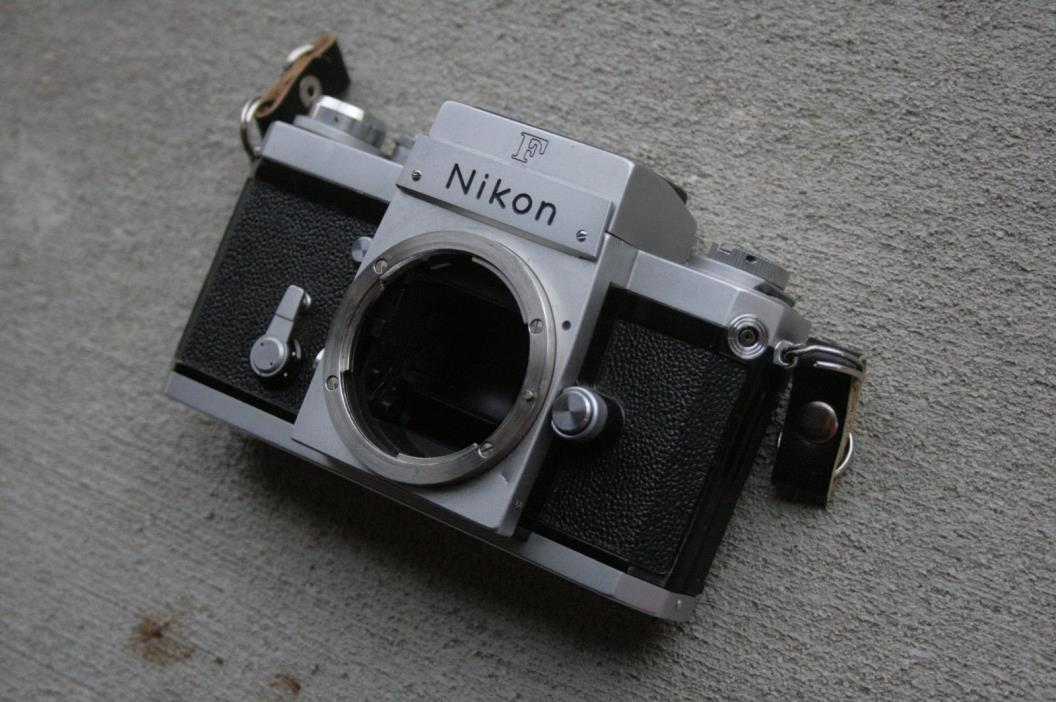 1967 Nikon F with Waist Level Finder Cool Camera!!!! Nice! Functions Great!