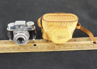 Vintage Miniature HIT Spy Camera w/ Original Leather Case Japan