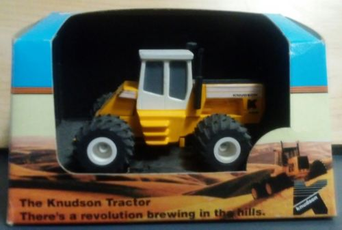 1/64 ertl farm toy Knudson 4400! htf!