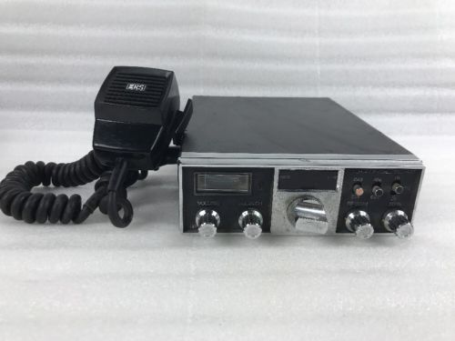 Vintage Realistic TRC-427 40-Channel CB Radio w/ Mic Powers On