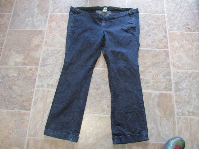 womens maternity jeans old navy size 18 real waist 48 x 30 1/2 item#866s