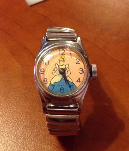 Vintage 1950's Cinderella Watch US Time Ingersoll Wind Up Working Condition