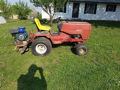 VINTAGE MASSEY FERGUSON 1855 LAWN GARDEN TRACTOR MOWER RUNS AND DRIVES & TILLER