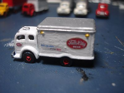 N SCALE - RARE - FALLS CITY BEER DELIVERY TRUCK - CMW - WHITE 3000 COE BOX VAN