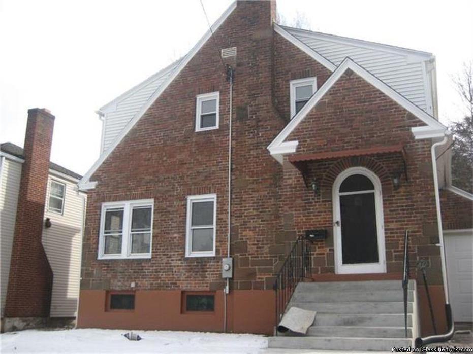 home 3 beds 2 baths, Hartford, CT