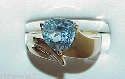 10K Swiss Blue Topaz Trillion Solitaire Shield Ring Size 7 Vintage Modernism