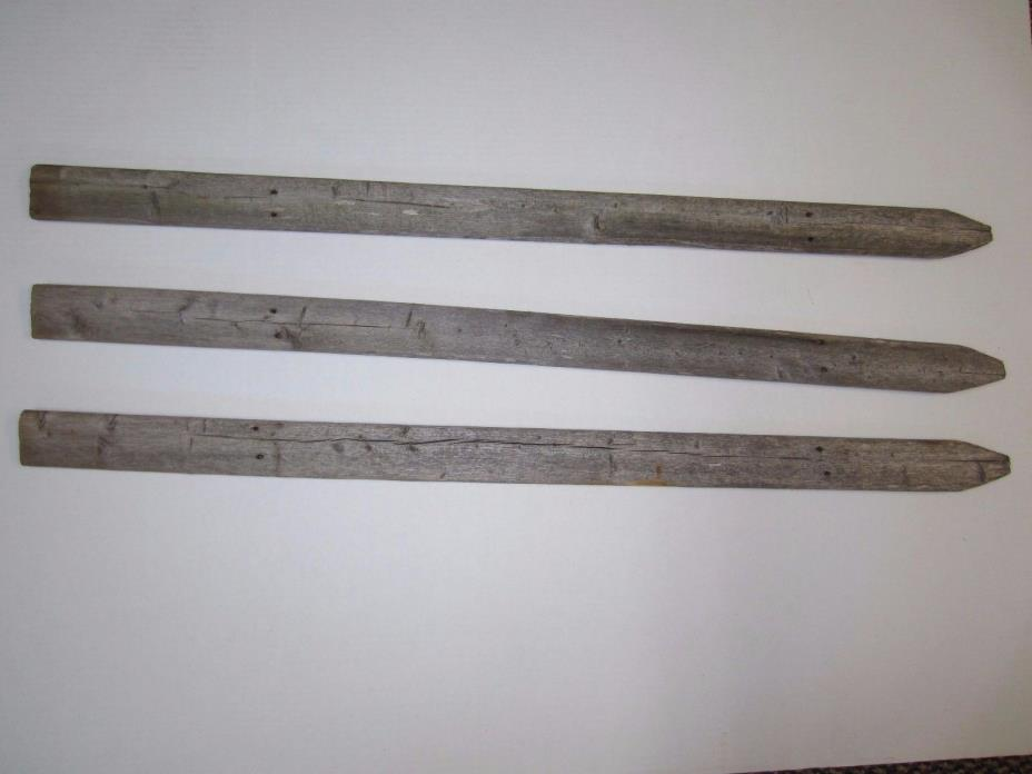 3 Vintage Craft Wood - New England Picket Fence Pcs. - Ready For A Sign w/ arrow