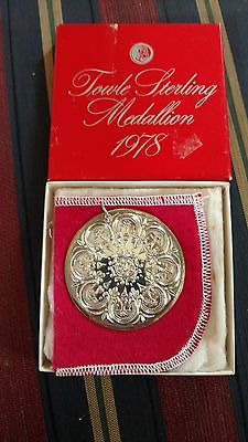 Christmas Ornament 8 Maids A Milking Medallion Sterling Silver Towle 1978