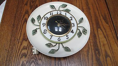 Vintage Retro United Clock Corp 1950's White W/Gold Leaves Kitchen Wall Clock