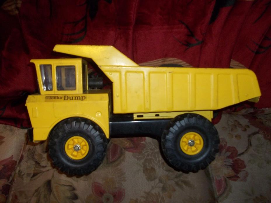 Vintage Pressed Steel Mighty Tonka Dump Truck  1970's