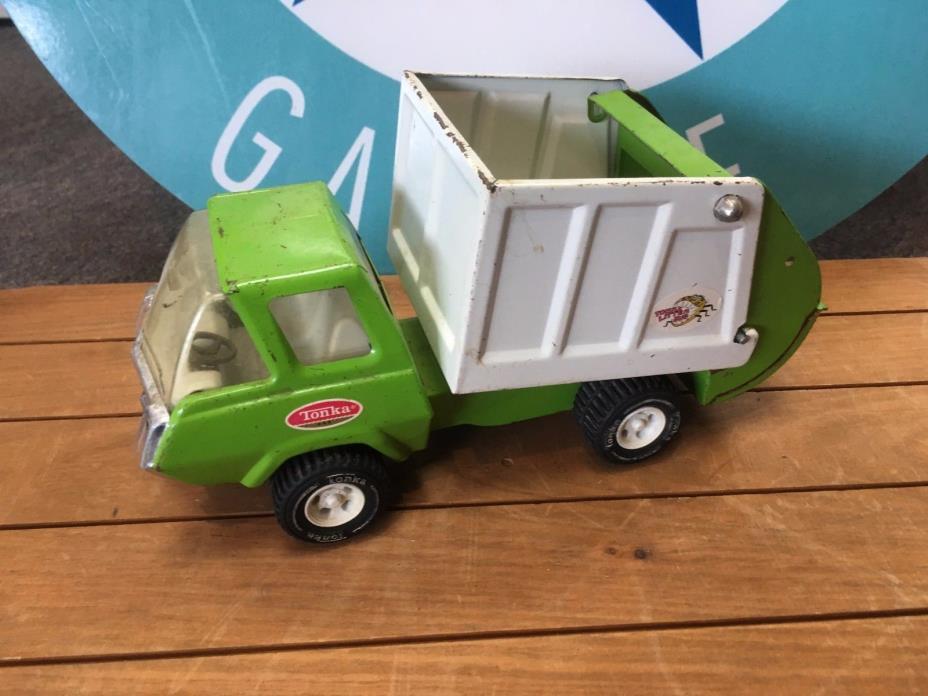 vintage METAL TONKA green GARBAGE TRUCK - GOOD conditon 1970's