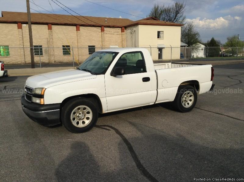 2006 Chevrolet C1500, 6 Cylinder, 2WD, Regular Cab