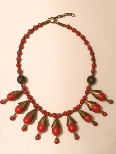 "Vintage Red Bead Gold Tone Necklace 16"" Great Condition"
