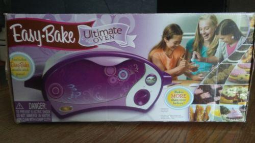 (622) Easy Bake Ultimate Oven