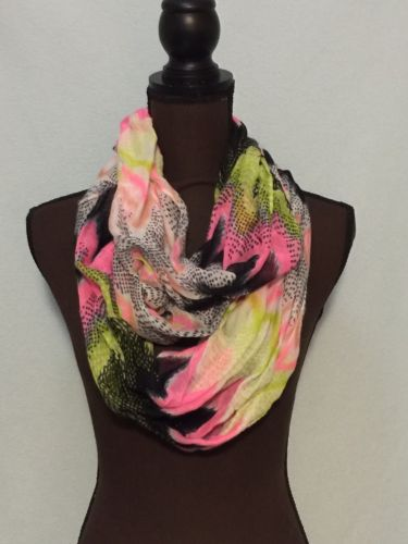 Women's Infinity Scarf Pink Multi-colored Chevron