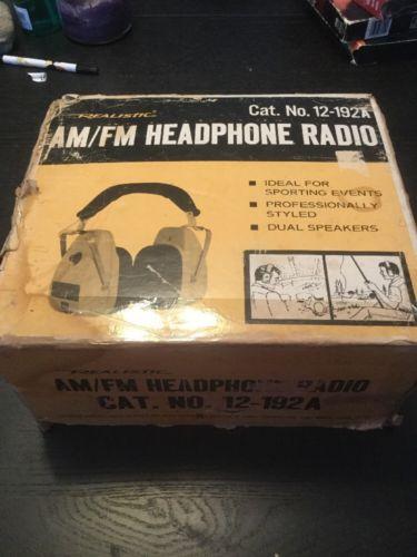 Tandy Realistic Radio Shack 12-192A 9v Portable Transistor AM/FM Headphones NOS