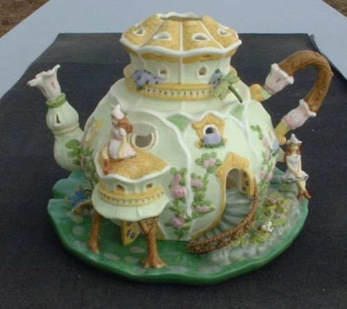 Partylite Fairyland Tealight House P7341