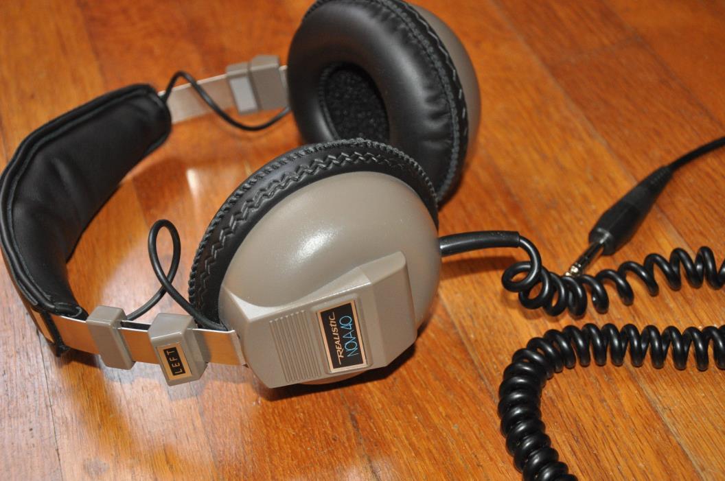 VINTAGE REALISTIC NOVA 40 Hi Fi STEREO HEADPHONES- Excellent!
