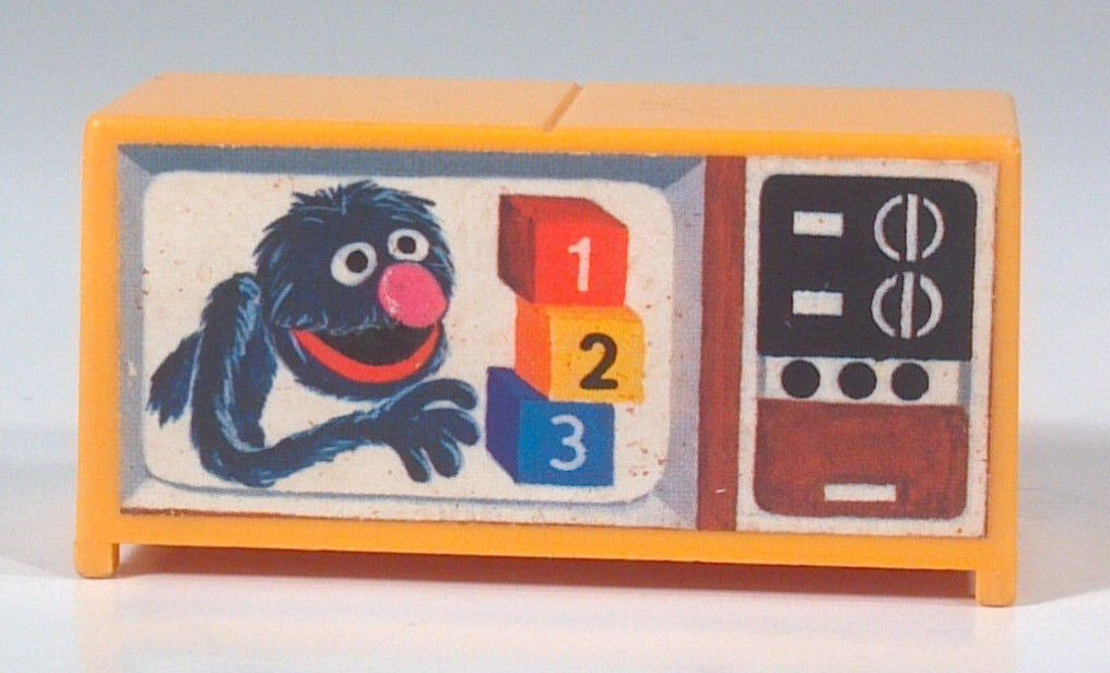 Vintage Fisher Price Little People Sesame Street 938 Grover TV Television Set