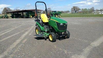 2013 John Deere 1025R Utility Tractors