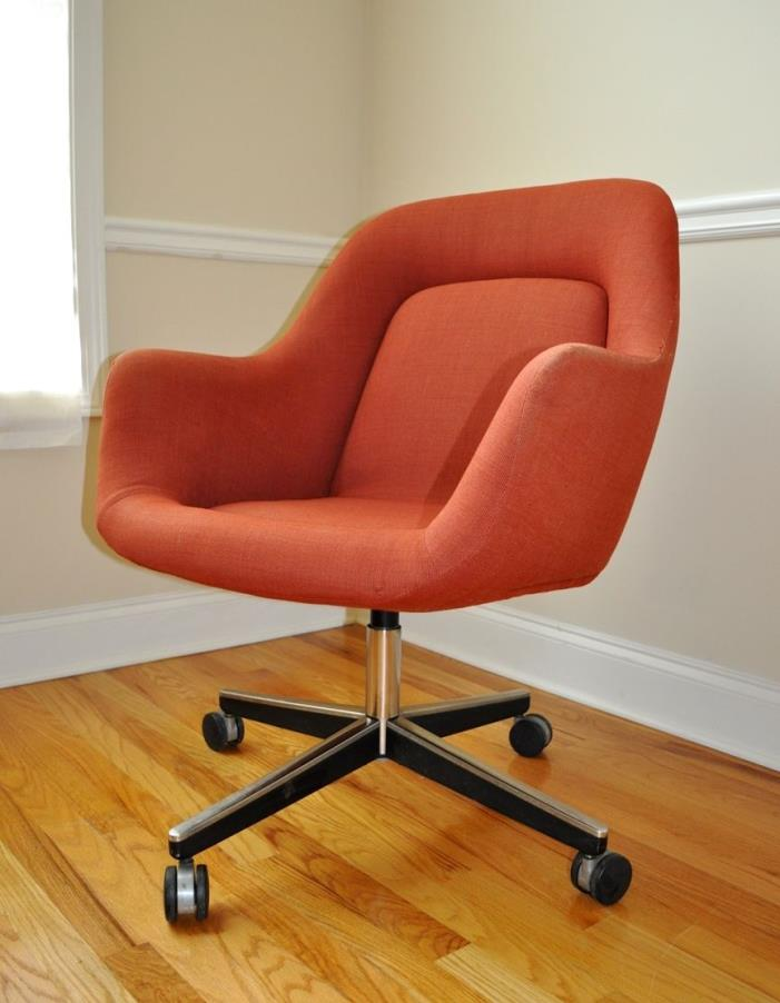 Swivel desk or office arm chair by Max Pearson for Knoll Mid Century Modern